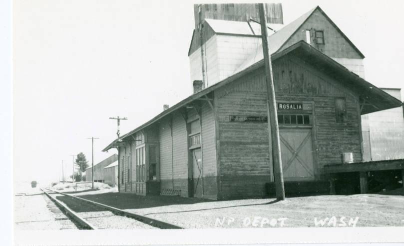Railroad_depot_Rosalia_Washington_circa_1925