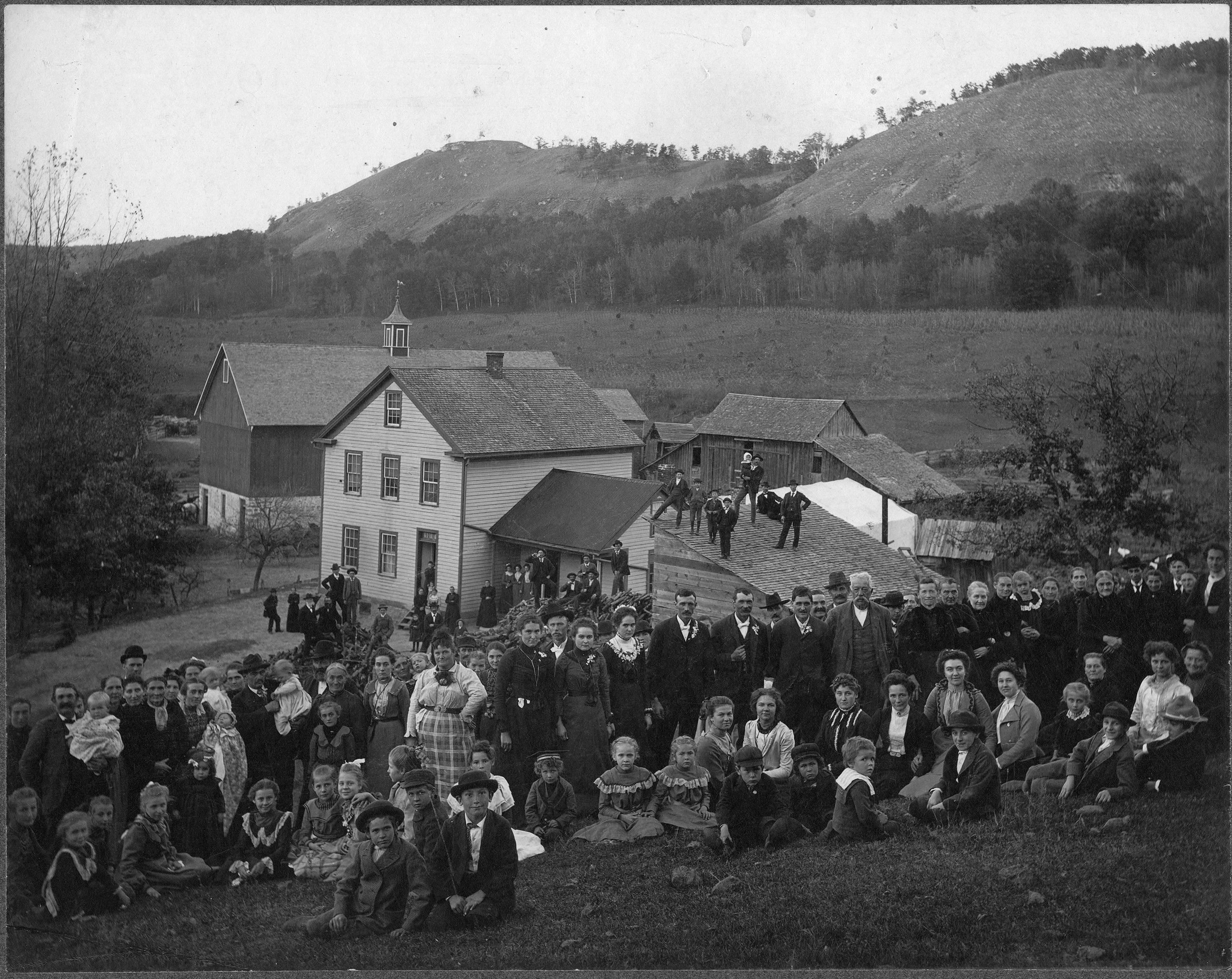 Old_fashioned_wedding_Rosalia_Washington_circa_1880