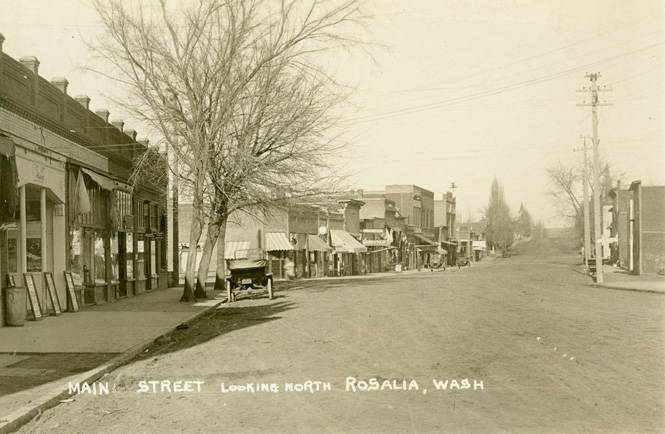 Whitman_Street_looking_north_in_Rosalia_Washington_circa_1920