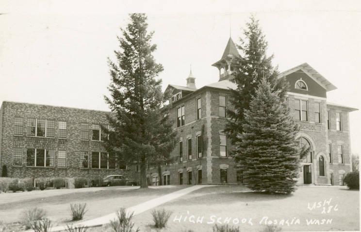 High_school_in_Rosalia_Washington_circa_1955