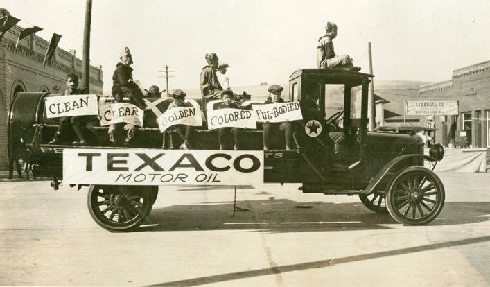 Texaco_truck_in_Festival_Day_Parade_Rosalia_Washington_1924