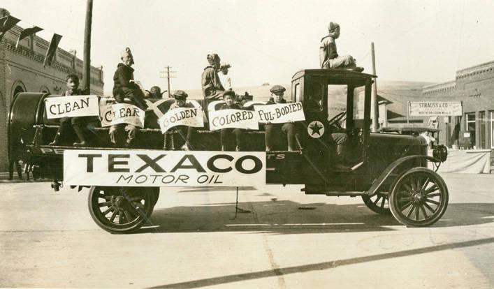 Texaco_truck_in_Festival_Day_Parade_Rosalia_Washington_1924