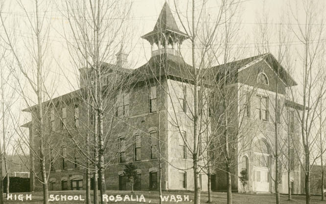 High_school_in_Rosalia_Washington_circa_1940
