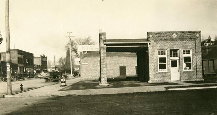 Central_Service_Station_Rosalia_Washington_1924 (2)