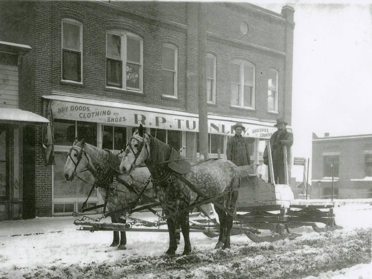 Horsedrawn_sled_Rosalia_Washington_1924