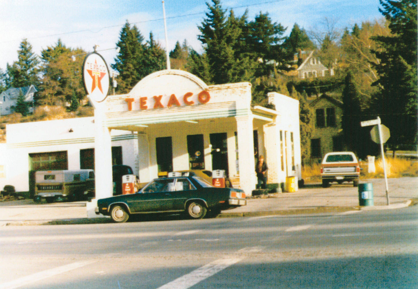 Texaco_station_Rosalia_Washington_1979