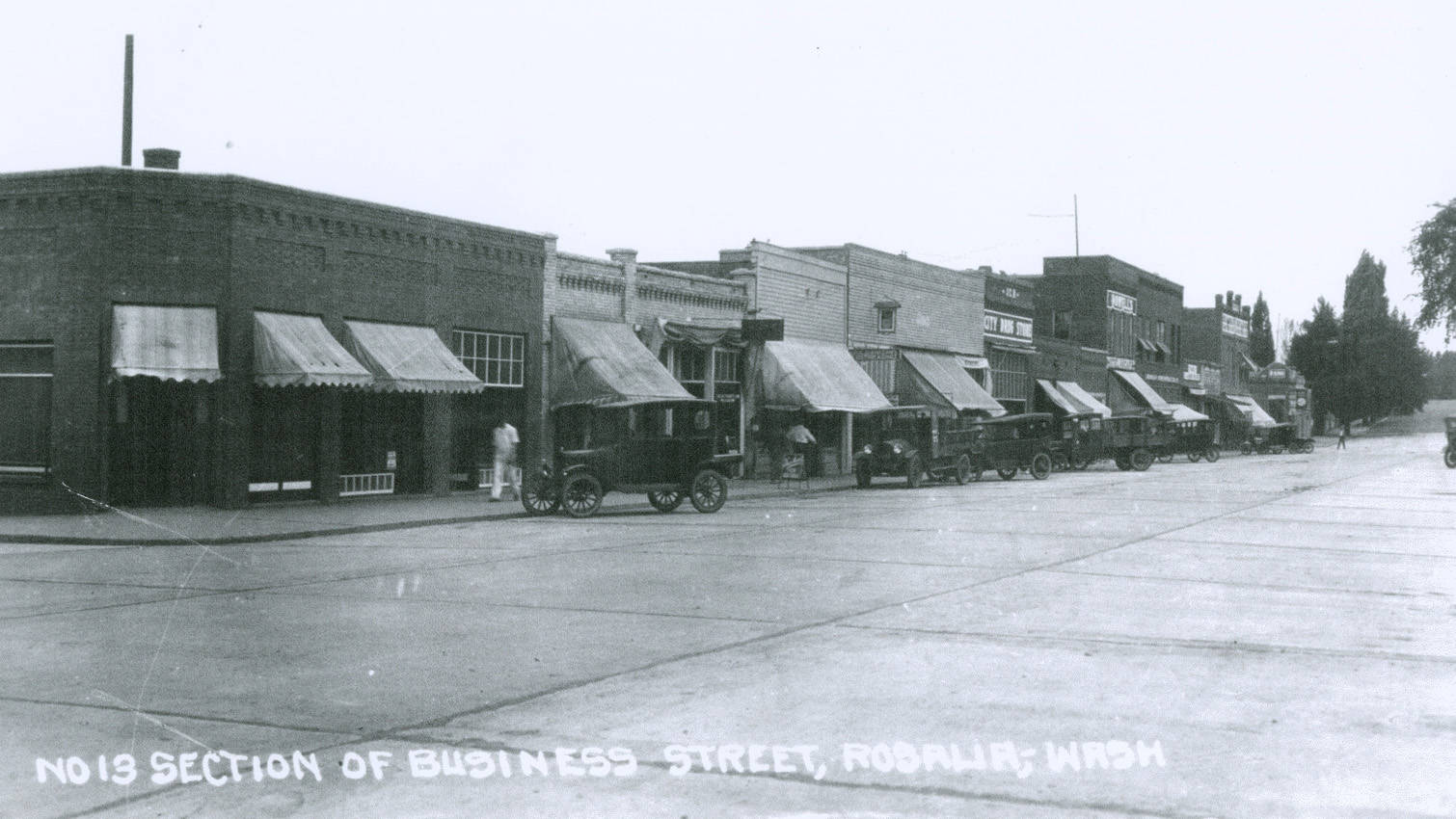 Business_district_in_Rosalia_Washington_circa_19201929