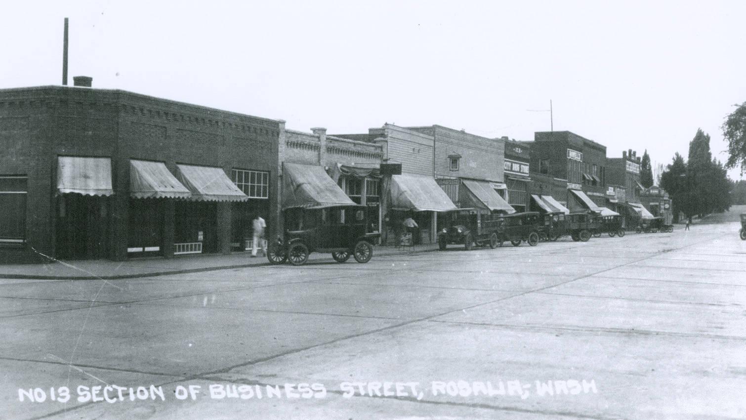 Business_district_in_Rosalia_Washington_circa_19201929