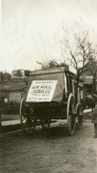 Airmail_Jubilee_stagecoach_Rosalia_Washington_1926 (1)