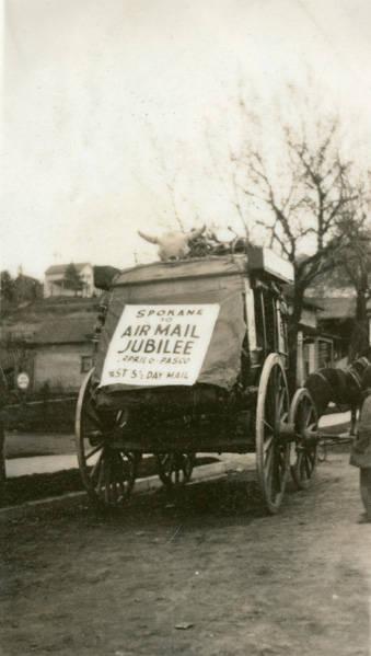 Airmail_Jubilee_stagecoach_Rosalia_Washington_1926 (1)