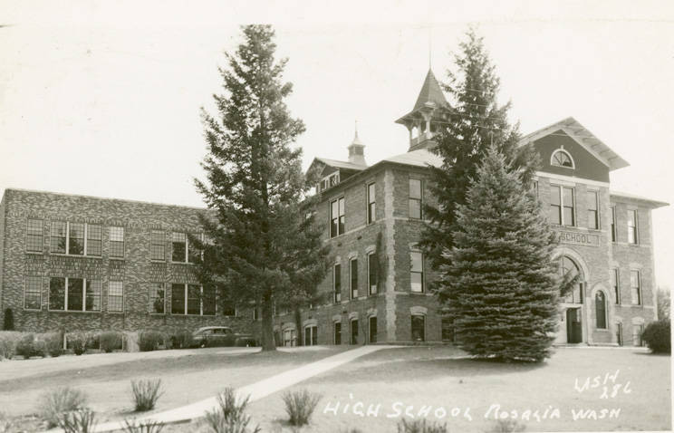 High_school_in_Rosalia_Washington_circa_1955 (1)