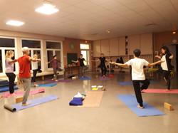 Cours en groupe yoga région roannais