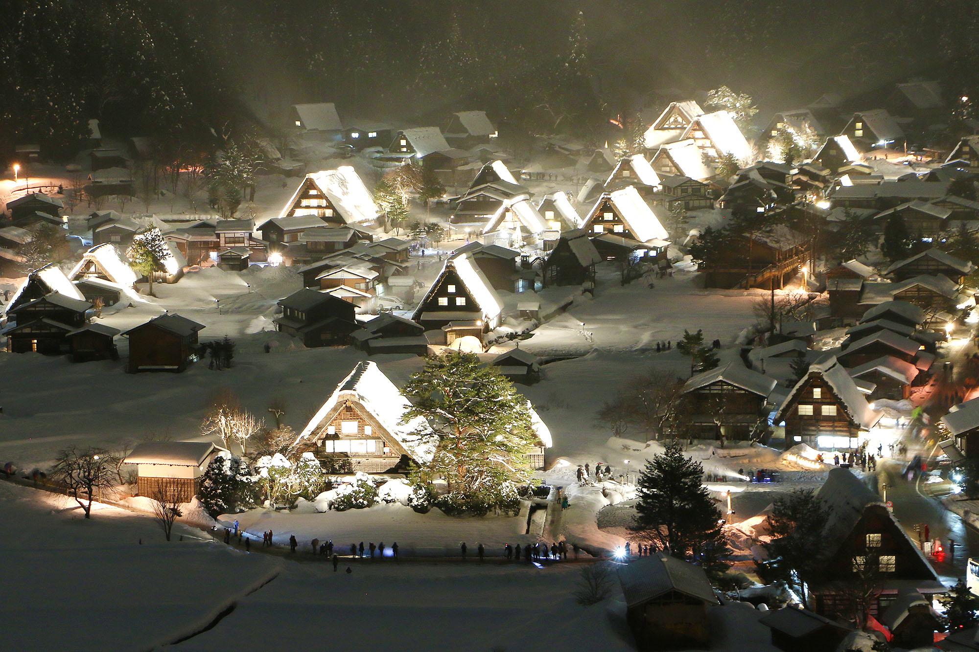 Feb_Shirakawago_winterlightup