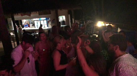 Rum Bum Bar@ HorsesShoe Beach