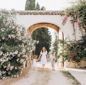 Rustic Family Photos in Sicily