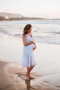 Maternity photographer in Sicily