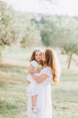 Rustic family session in Sicily