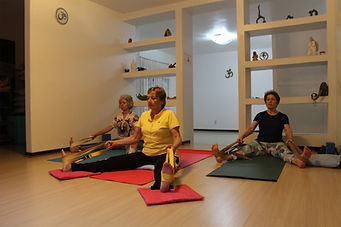 imagem yoga suave site.jpg