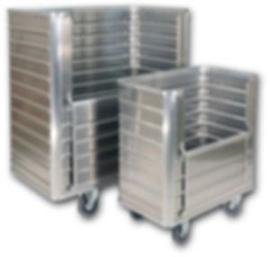 Vaunut, laukut ja kuljetuslaatikot kevytmetallista