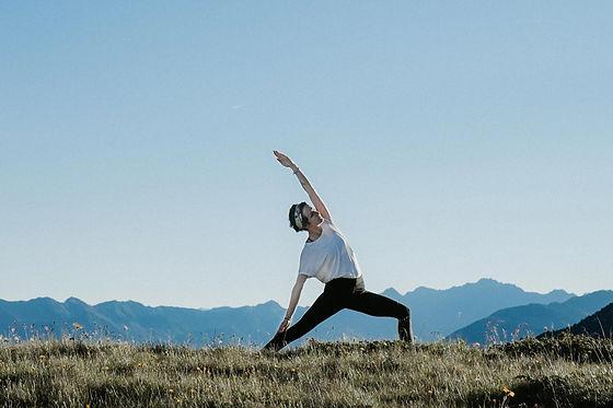 (c)Michael Pezzei_Yoga am Bergsee_Verwen