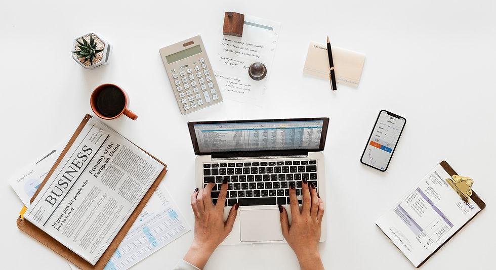 accountant-accounting-aerial-alone-ameri