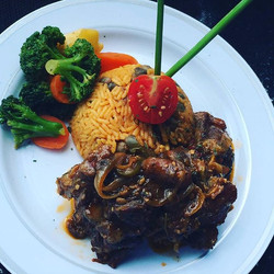 Winning plate Jerk Oxtails with Coconut Peas and Rice with a side of steamed Veggies  #jerkfestival