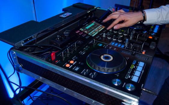 DJ6.JPG
