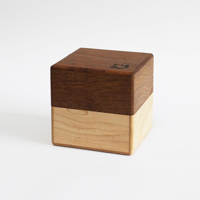 wooden box002.jpg