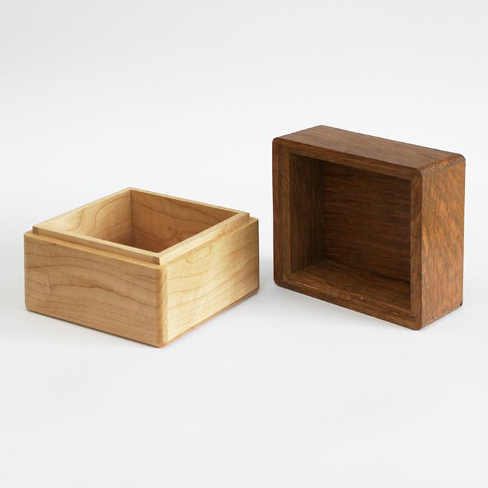 wooden box001.jpg