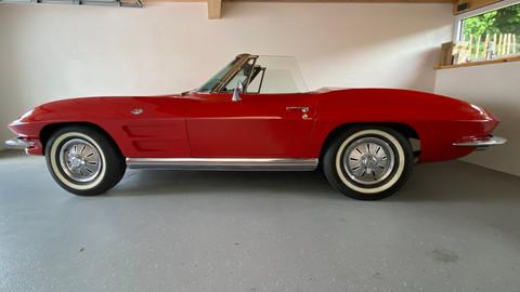 Chevrolet-Corvette-C2-Stingray-4