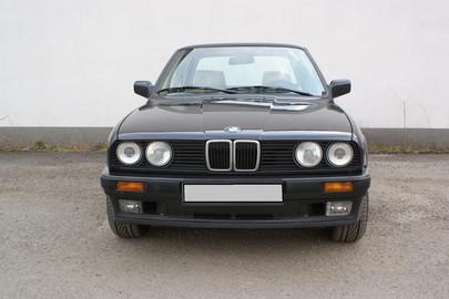 BMW E30 325 ix 57