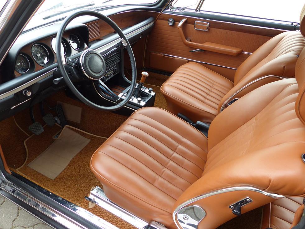 BMW 3.0 CSi polaris cognac