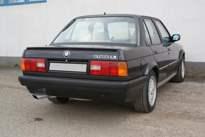 BMW E30 325 ix 60