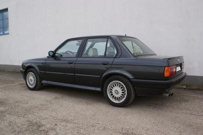BMW E30 325 ix 59