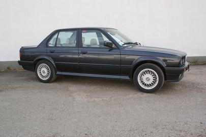BMW E30 325 ix 62