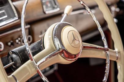 Mercedes-Benz-W180-220S-51