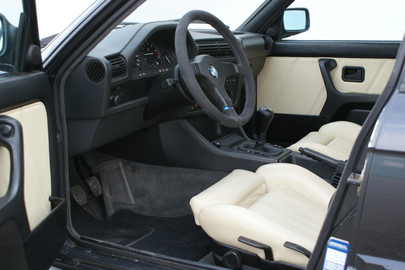 BMW E30 325 ix 56