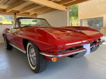 Chevrolet-Corvette-C2-Stingray-10