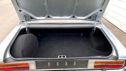 Ford-Granada-V6-26-Ghia-18