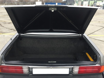 Mercedes-Benz-450SL-W107-9