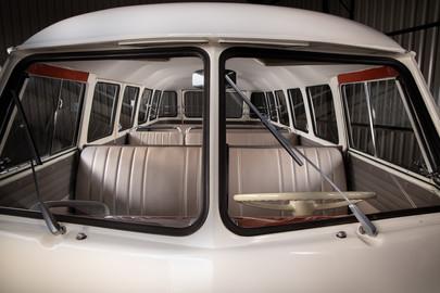 Volkswagen-Transporter-T1-15-40