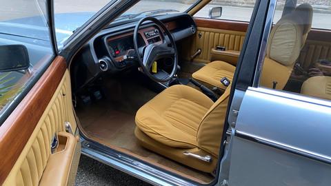 Ford-Granada-V6-26-Ghia-13