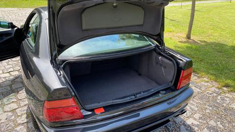 BMW-850i-automatik-E31-22