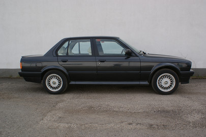 BMW-E30-325ix-30
