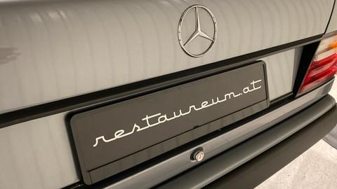 Mercedes-Benz-W124-230CE-14