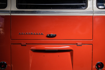 Volkswagen-Transporter-T1-15-29