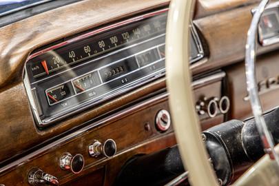 Mercedes-Benz-W180-220S-53
