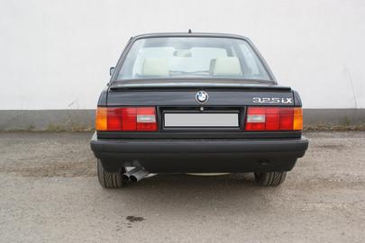 BMW E30 325 ix 58