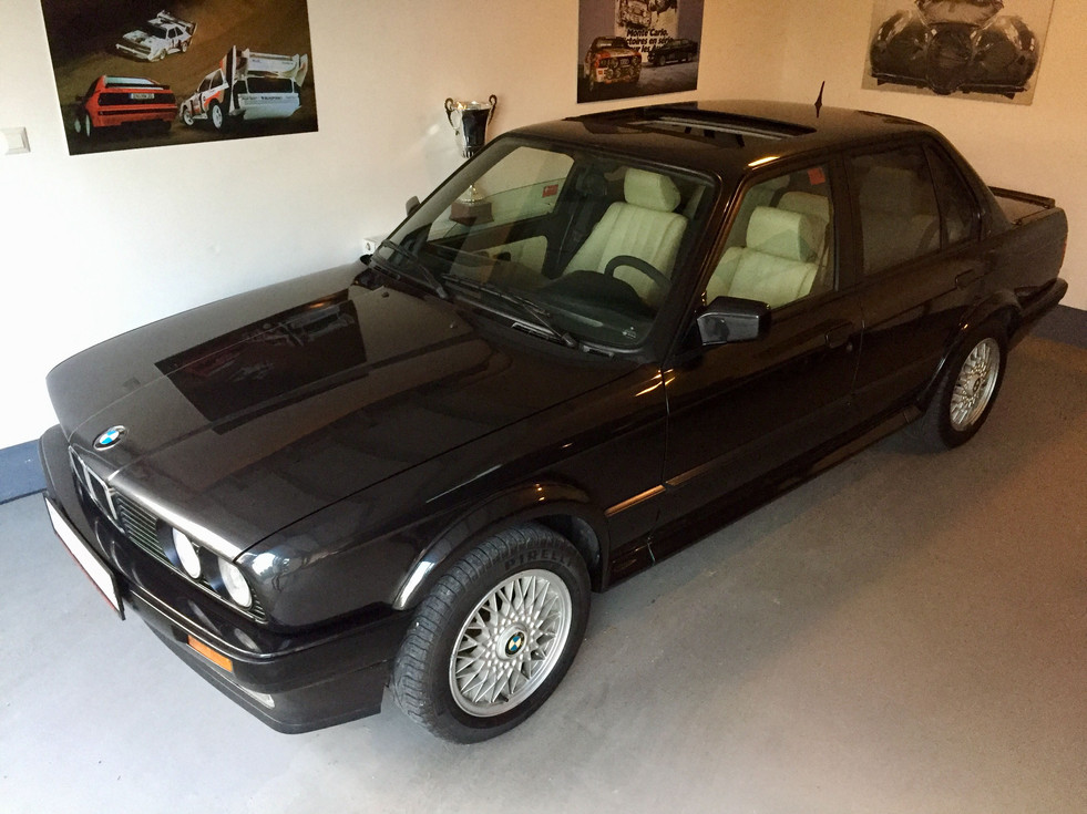 BMW E30 325 ix