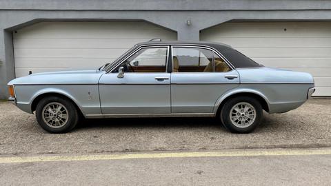 Ford-Granada-V6-26-Ghia-2